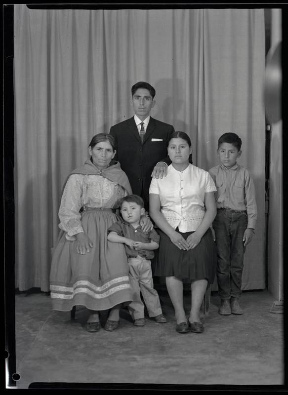 https://s3-us-west-2.amazonaws.com/archivoalejos-publico/Seleccion/NF-01269-C-ART-W.jpg